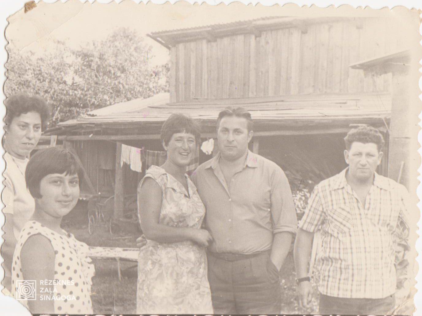 Jeruhovič Hava, Sapožnikova Maija, Sapožnikovs Haims, Veismans Goga